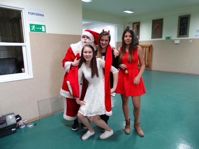 Przybył św.Mikołaj do naszej szkoły